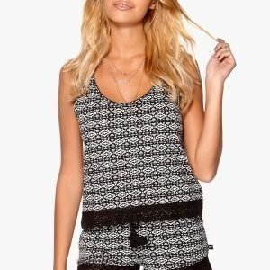 77thFLEA Durben top Black / White / Patterned