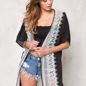 77thFLEA Kansas City kimono Black w. white lace