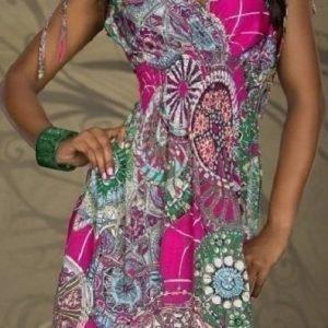 Ashanti pinkki mekko (plus size)
