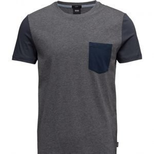 BOSS Tessler 17 lyhythihainen t-paita