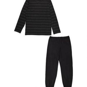 Black Horse Pyjama