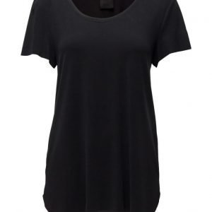 Black Lily Pacey T-Shirt