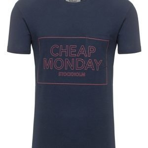 CHEAP MONDAY T-paita
