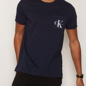 Calvin Klein Jeans Bolan True Icon CN Tee SS T-paita Night Sky