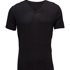 Calvin Klein S/S V Neck 001 L lyhythihainen t-paita