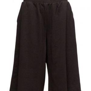 Cheap Monday Ion Sweat Shorts shortsit