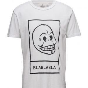 Cheap Monday Standard Reverse Tee Big Etcetc lyhythihainen t-paita
