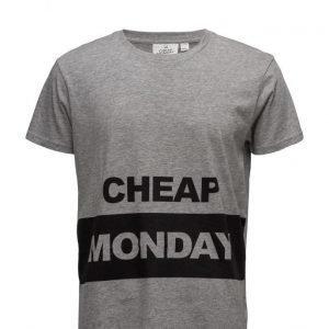 Cheap Monday Standard Tee Block Logo lyhythihainen t-paita