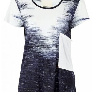 Close By Denim The Basic Tee Aop Pusero