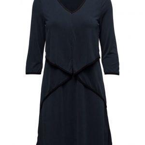 Cream Vilian Dress mekko