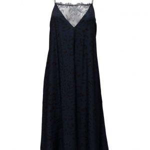 Custommade Eleonora mekko