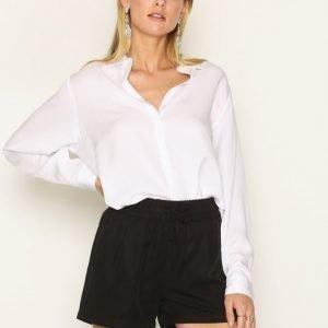 D Brand Leah Shorts Shortsit Black