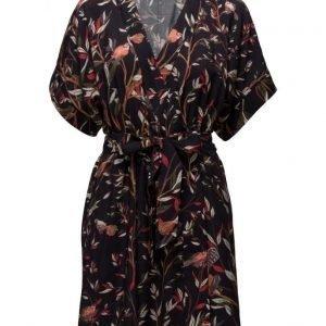 Dagmar Laurel lyhyt mekko