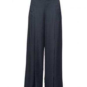 Dagmar Penelope leveälahkeiset housut