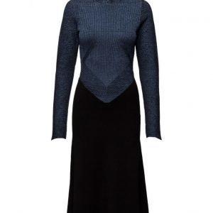 Dagmar Sylvia mekko