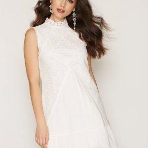 Dry Lake Jardin Dress Loose Fit Mekko White