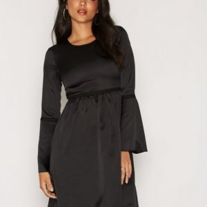 Dry Lake Raven Dress Skater Mekko Black