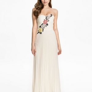 Elise Ryan Flower Embellished Maxi Dress