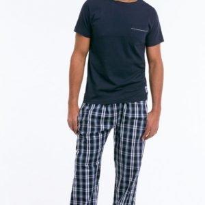 Ellos Pyjama 2 Osaa