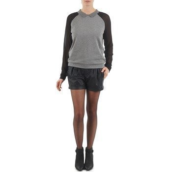 Esprit PERFORATED SHORT bermuda shortsit