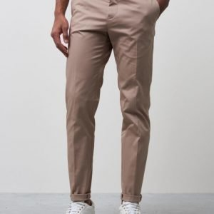 Filippa K Liam Sharp Chinos Desert