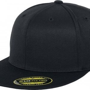 Flexfit Premium Fitted Cap Lippis