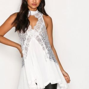 Free People Tell Tale Heart Top Toppi Ivory