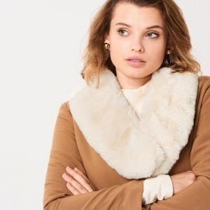 Gina Tricot Andrea Fur Collar Turkiskaulus Light Cream
