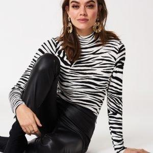 Gina Tricot Dora Poolopusero Lagre Zebra B / W