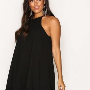 Glamorous Flounce Bottom Dress Loose Fit Mekko Black