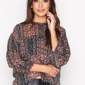 Hunkydory Floral Pleat Blouse Arkipaita Floral