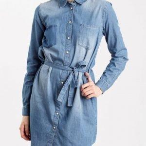JACQUELINE de YONG Lorine mekko