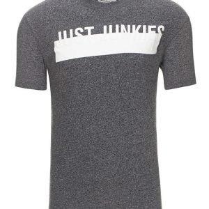 Just Junkies Trombo T-paita