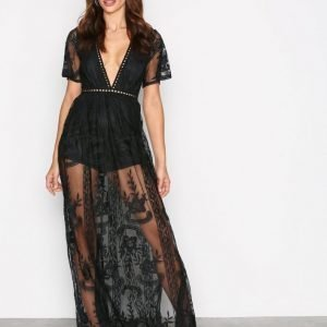 Kiss The Sky Take A Bow Maxi Dress Maksimekko Black