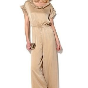 Kling Dress Mariachi Nude 2