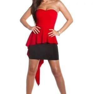Koucla punamusta peplum-mekko liehuksella
