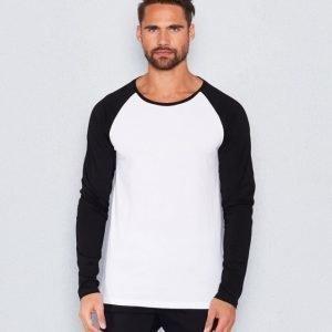 Kvarn Hilding Raglan Black/White