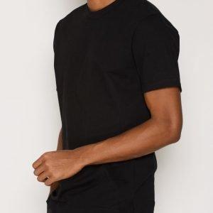L'Homme Rouge Needs T-Shirt T-paita Musta