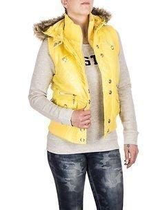 Leann Yellow