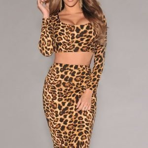Leopardikuvioinen lyhyt paita + midihame