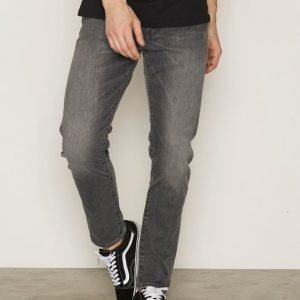 Levis 512 Slim Taper Fit Berry Farkut Denim