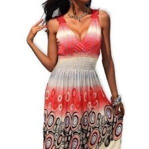 Lisa punainen mekko