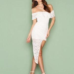 Love Triangle Off Shoulder Lace Dress Kotelomekko White