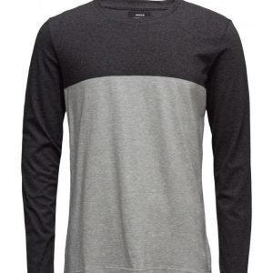 Mads Nørgaard Ringel Tolde Long 16-3 pitkähihainen t-paita