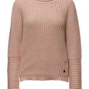 Maison Scotch Basic Pull With Shaped Sleeves. neulepusero
