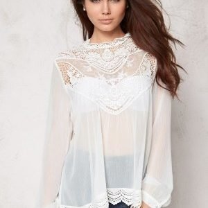 Make Way Colonie Top White