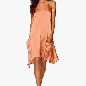 Make Way Larissa Dress Peach