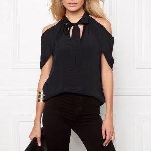 Make Way Nymeria Blouse Black