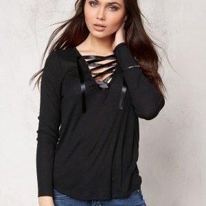 Make Way Selby Top Black
