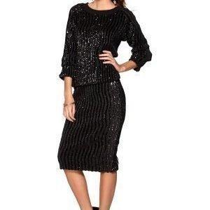 Make Way Wren Skirt Black